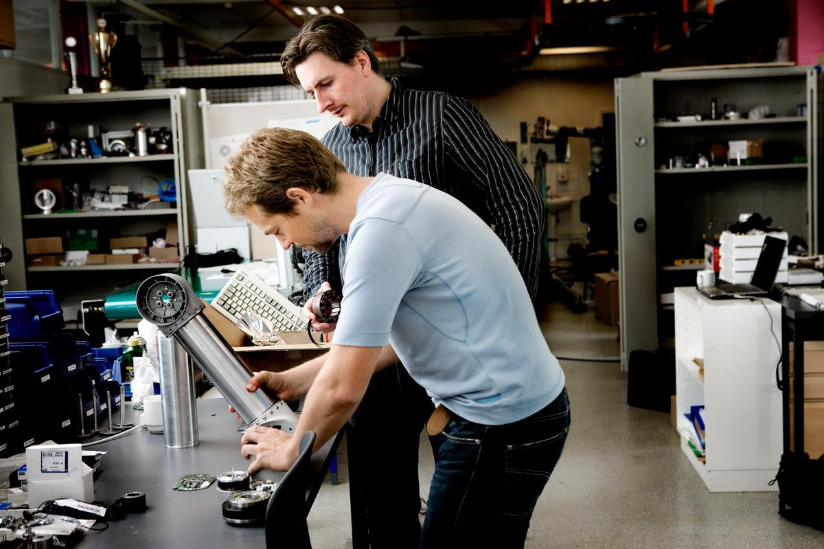 Esben and Kristian Kassow developing first UR cobot around 2008