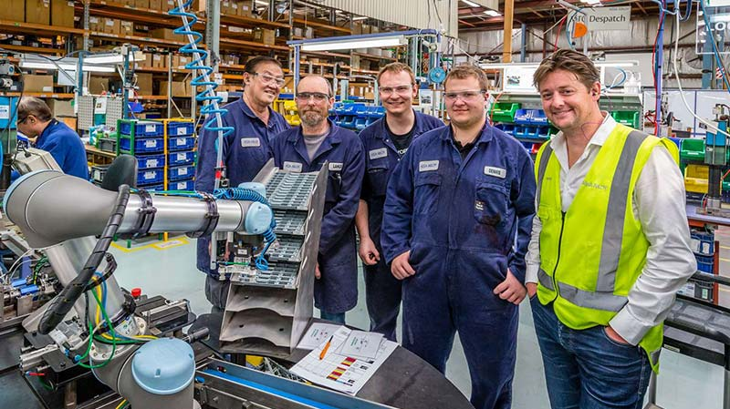 The-ASSA-ABLOY-team-in-New-Zealand-with-their-new-robot