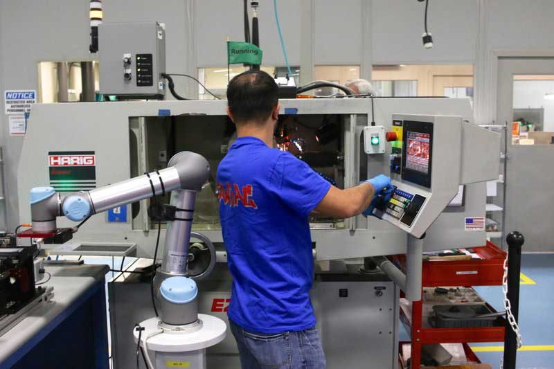 Collaborative-robots-at-Tegra