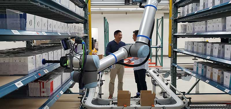 Business-Continuity-with-Cobots-at-DCL-logistics