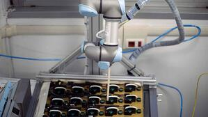 life_elettronica_the-leading_electronic_board_uses_collaborative_robots_ur3_italy