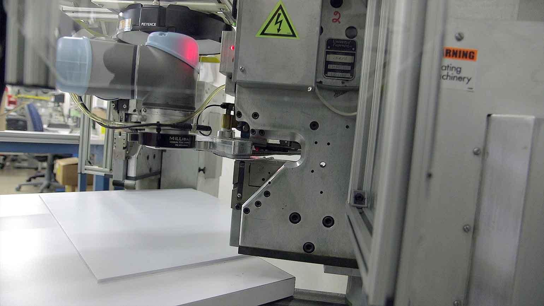 UR5 Cobot pre cut fabric material
