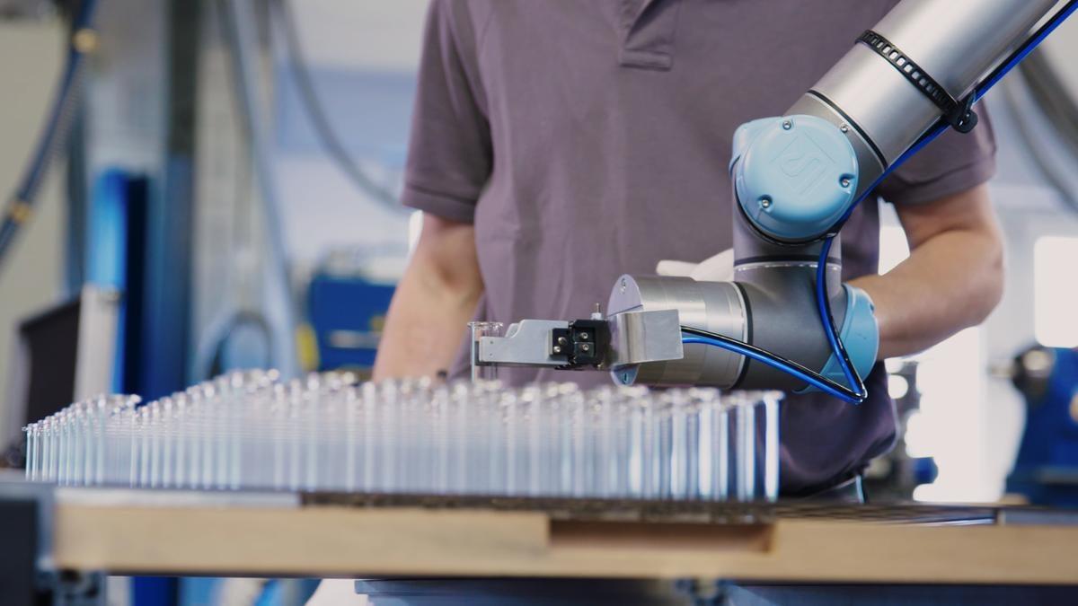 universal robot entreprise mondiale