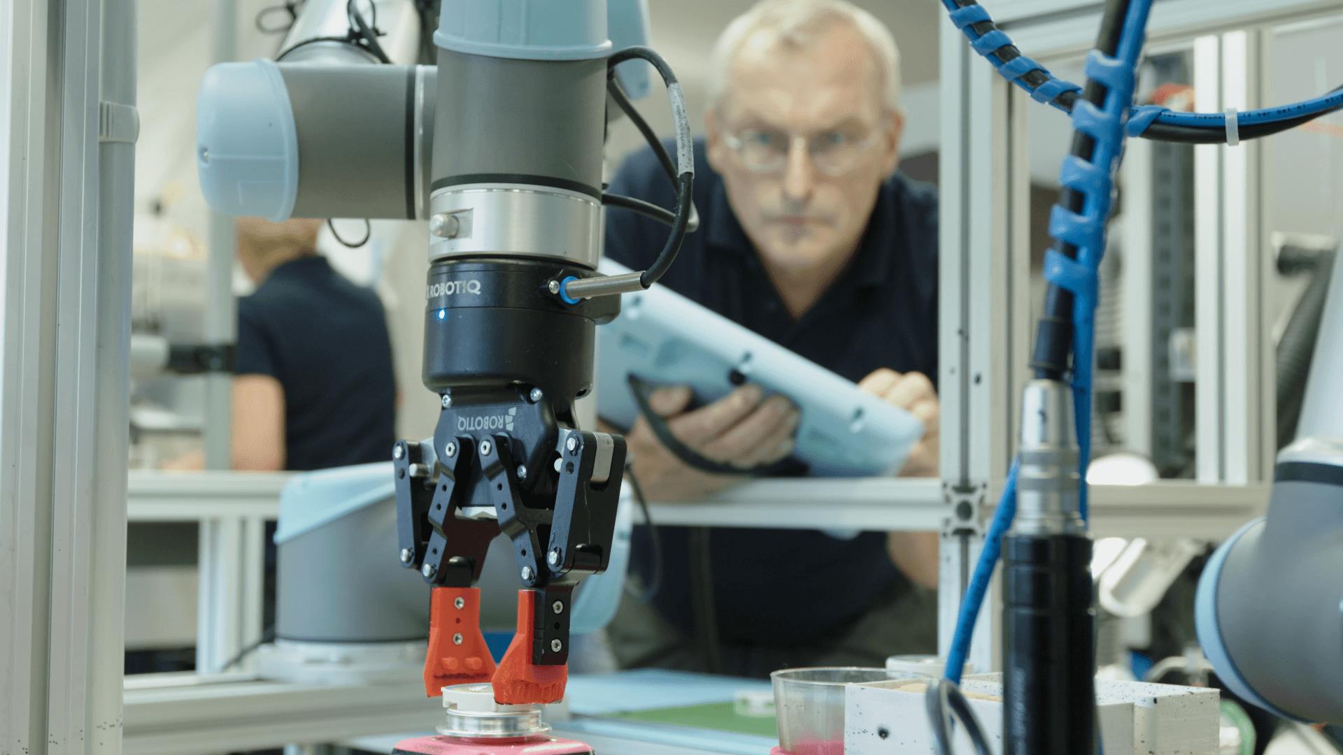 UR Roboter bei beyerdynamic