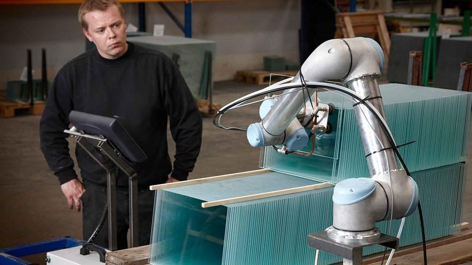 cobot industria mueble -