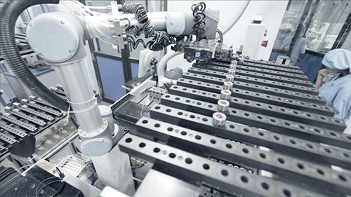 cobot-in-action-at-aurolab-universal-robots