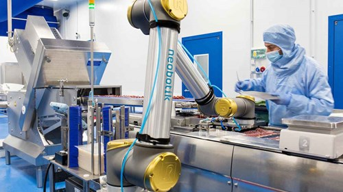 cobots-help-maintain-product-quality