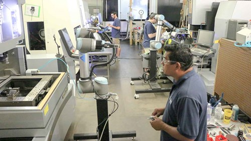 full_operation-with-5-cobots-ur5-at-all-axis-human-robot-collaboration