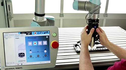 Robotiq 2 finger gripper - universal robots + ecosystem.jpg