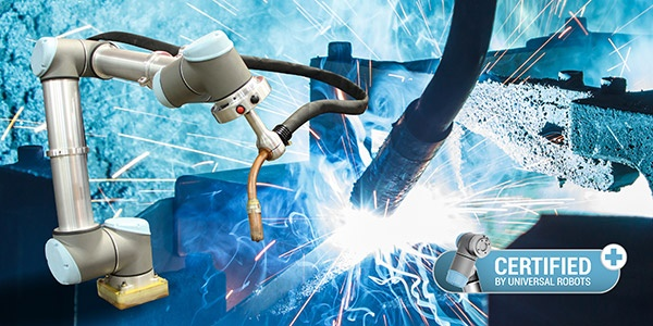 SnapWeld-system-can-be-easily-programmed-directly-through-robot's-teach-pendant.jpg
