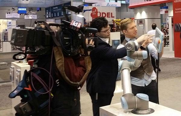 Universal-robots-on-FOX-news.jpg