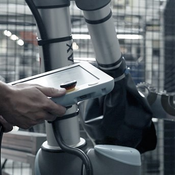 Easy Programming Of A Collaborative Robot At Leax Group