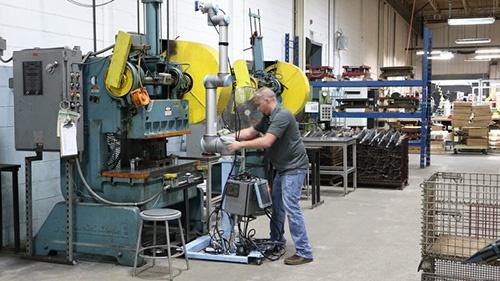 Flexibility Cobots At Scott Fetzer Universal Robots