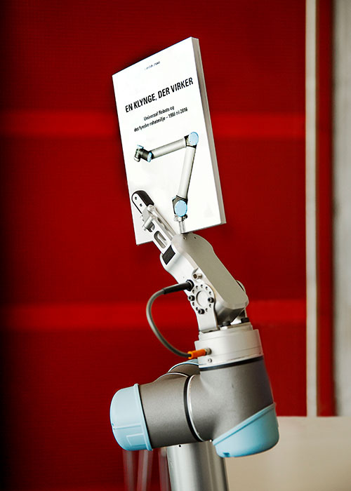 Universal Robots A Cloister That Works By Carsten Steno