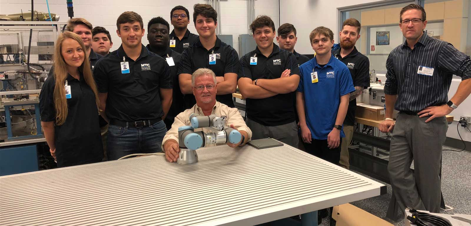 Cobots-Support-ROOTS-Curriculum