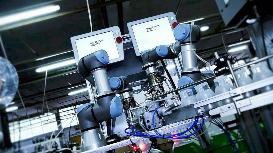 ur3_closing_caps_collaborative_robots_marka_italy_2